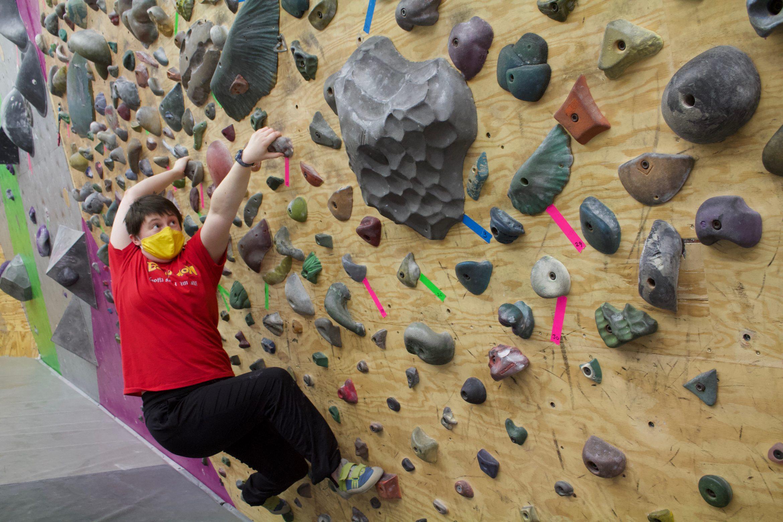 TC Mask Climbing